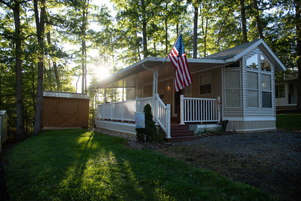 Silver Top Hard Awnings Amp 3 Season Rooms Double G Rv Park